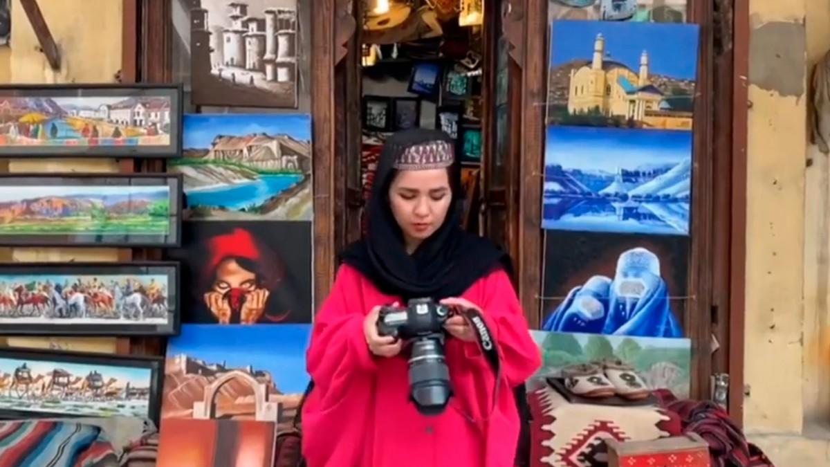 Afganistanlı kadın fotoğraf sanatçısının hayali