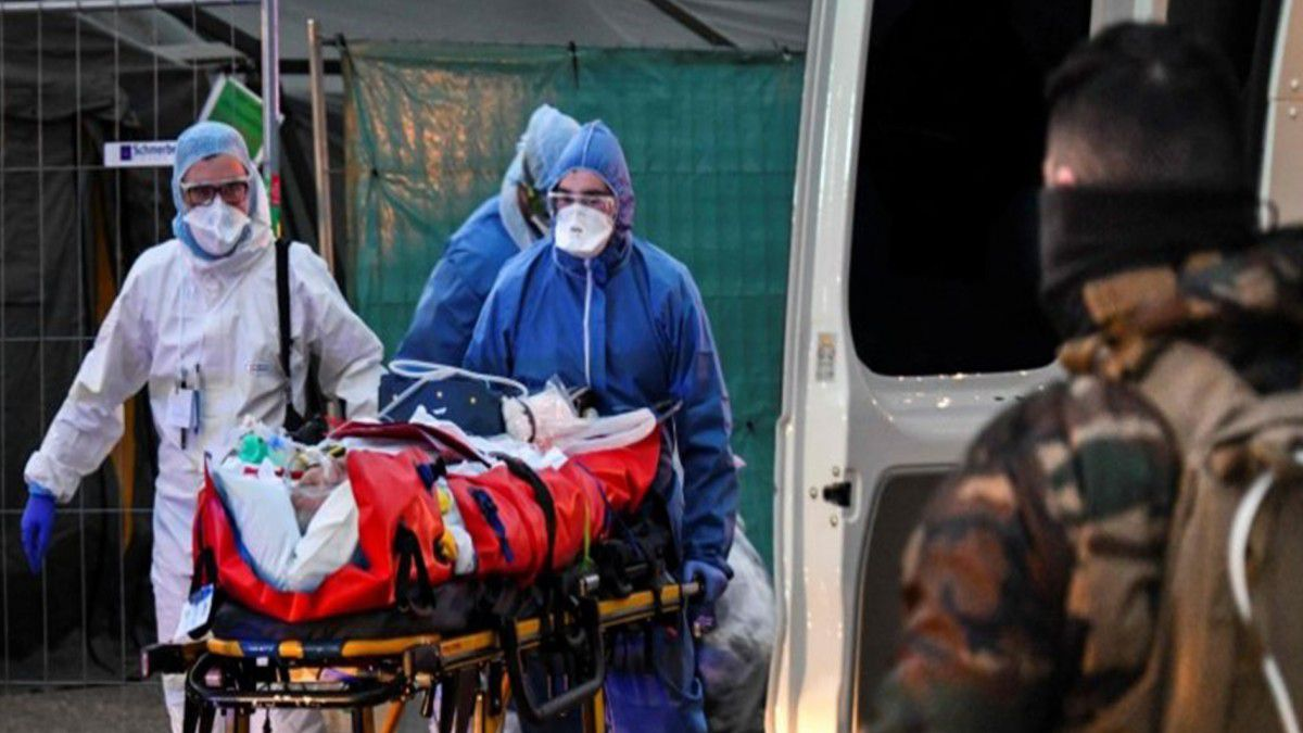 Fransa'da son 24 saatte 20.468 vaka! Fransa koronavirüse mağlup oldu