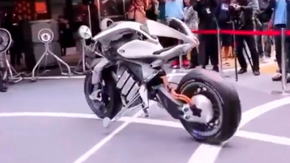 Geleceğin Sürücüsüz Motosikleti