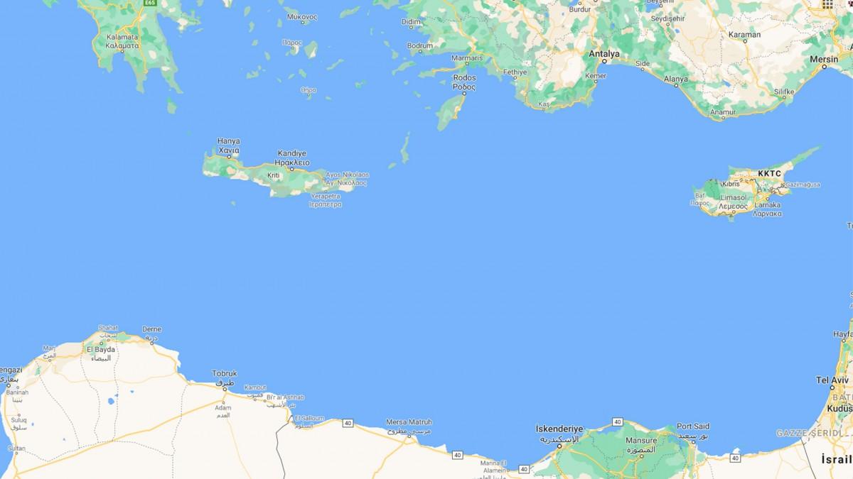 Girit Adası Açıklarında Mülteci Teknesi Battı