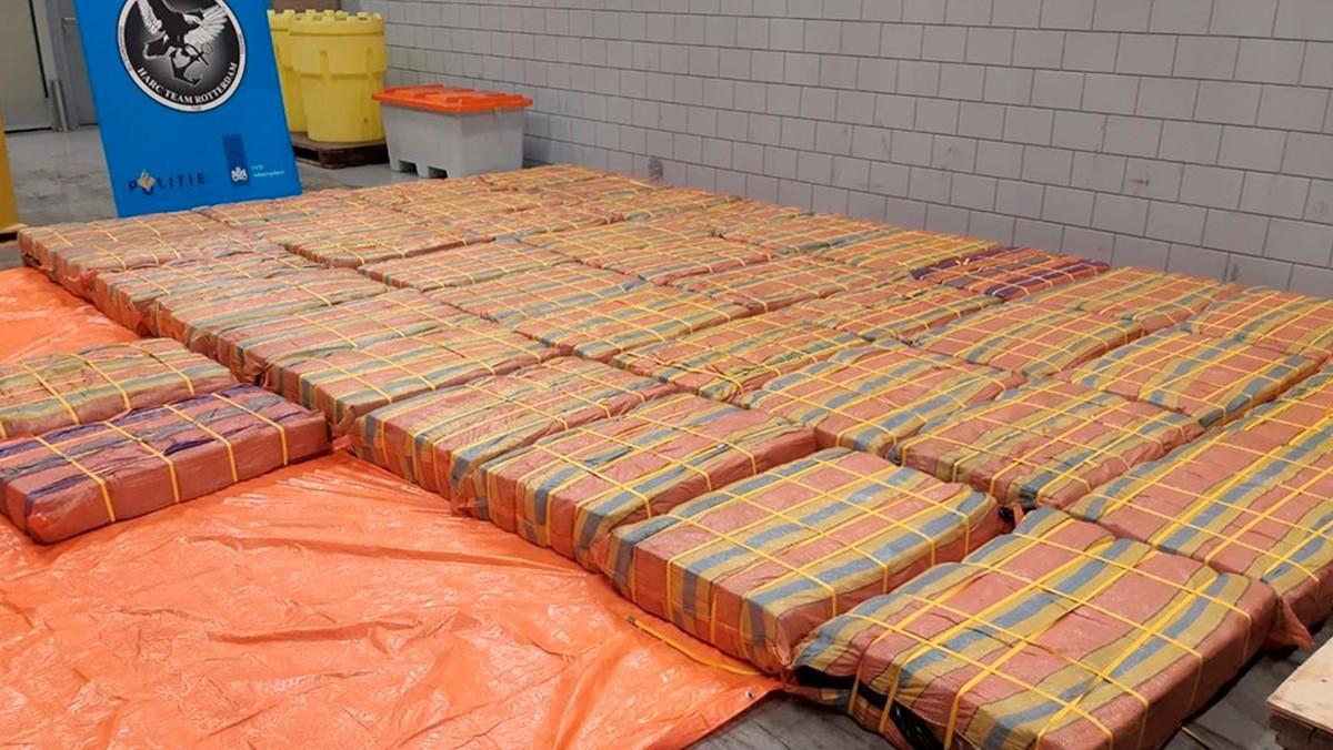 Hollanda'da Tonlarca Uyuşturucu Ele Geçirildi