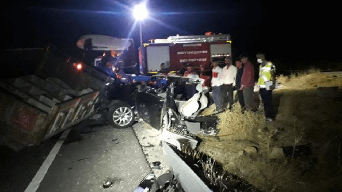 Mardin'deki  Feci Trafik Kazasında 6 Kişi Hayatını Kaybetti
