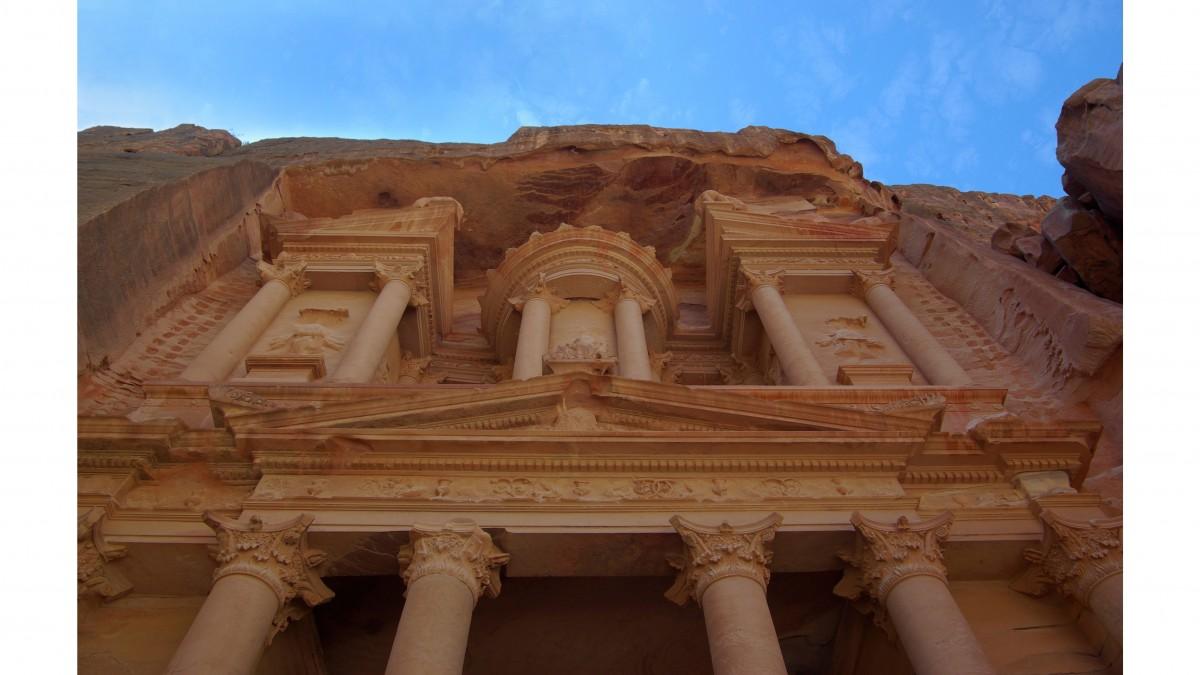 Orta Doğu'da Taşa Kazınmış Mistik ve Antik Bir Gizem