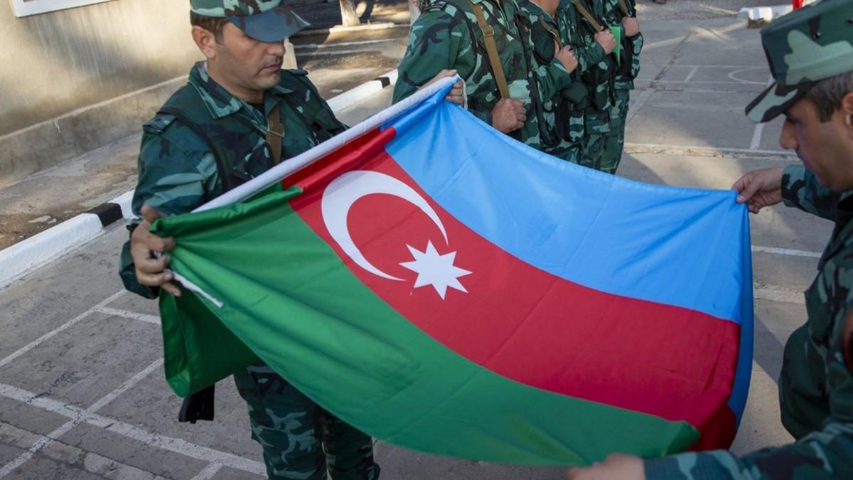 Zengilan'daki karakollara, Azerbaycan bayrakları çekildi